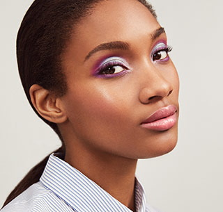 See how-to steps for the Twilight Time makeup artist look from Mary Kay.